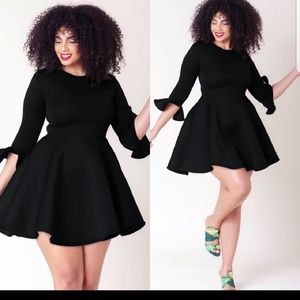 Beautiful black dress. A LINE. 3/4 sleeve.